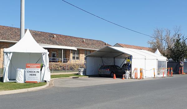 Wangaratta COVID-19 drive-through Screening Clinic is in Docker Street next to the hospital
