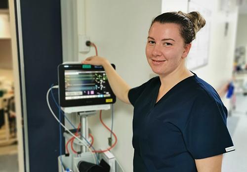 Graduate nurse in medical ward at NHW